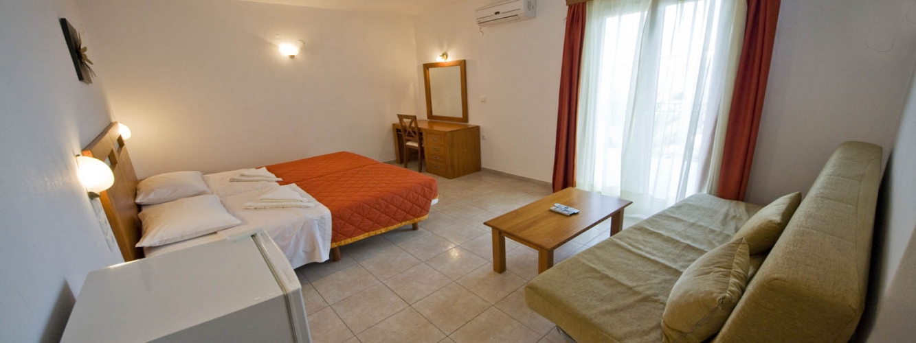 Skiathos, rooms, accommodation, pool, beach, cheap hotels